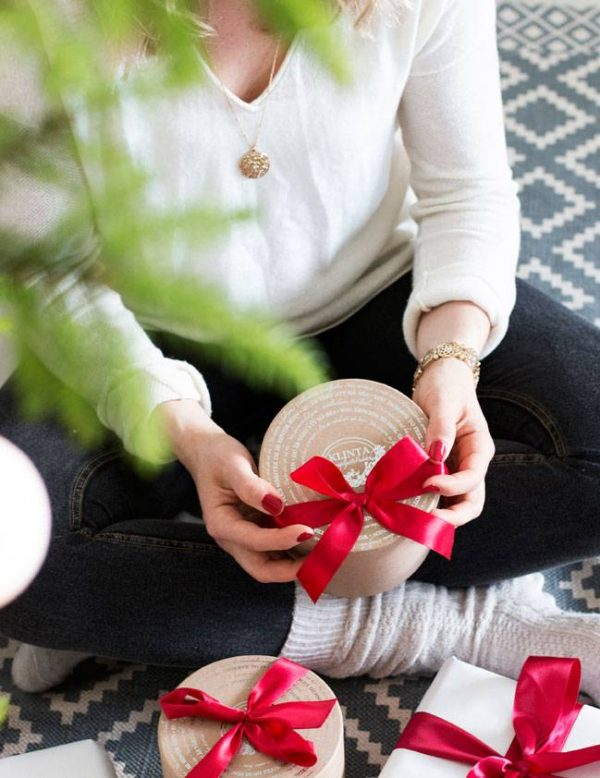 Klinta cadeaubox drie kerst geurkaarsen 7