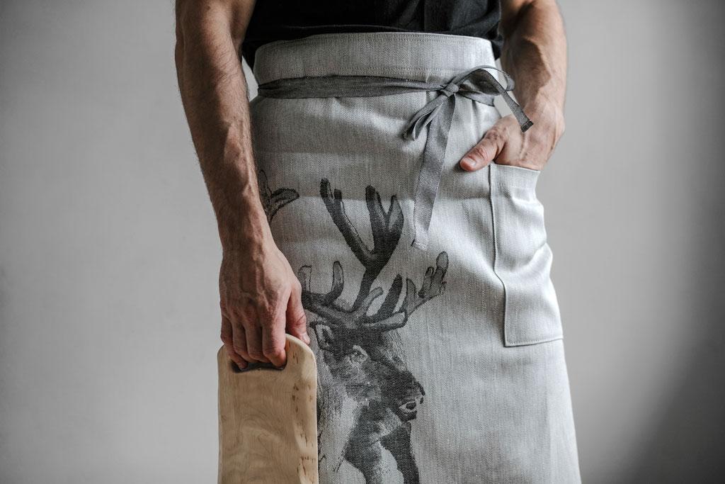 lapuan-kankurit-reindeer-apron-apron-teemu-jarvi