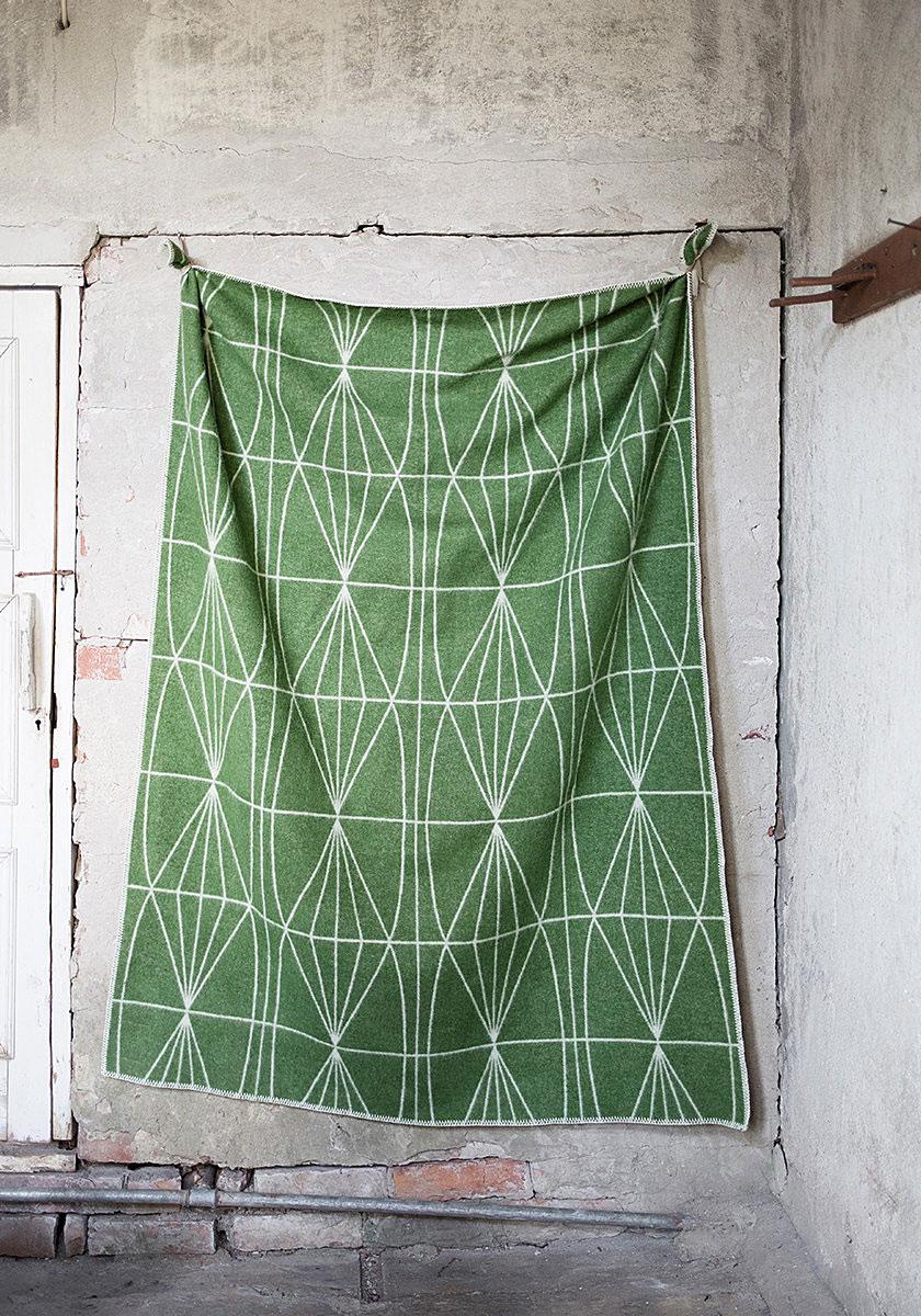 lapuan-kankurit-wool-blanket-plaid-kehra-green-130x180cm