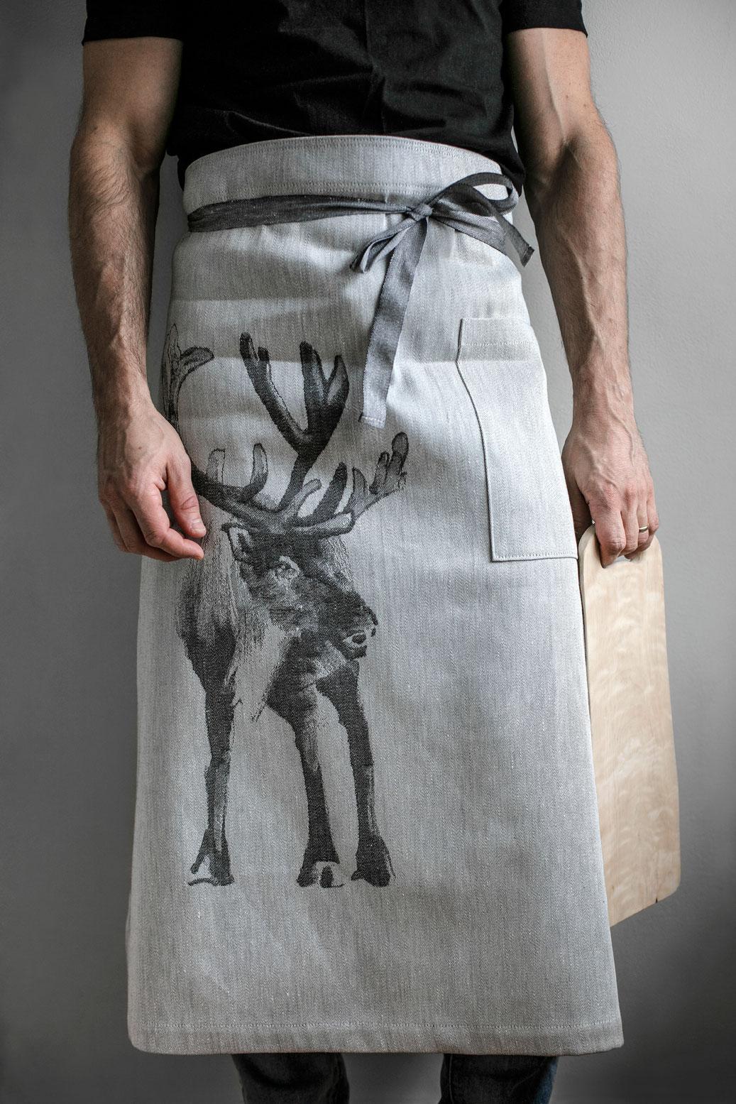 apron-apron-lapuan-kankurit-reindeer-Teemu-Jarvi