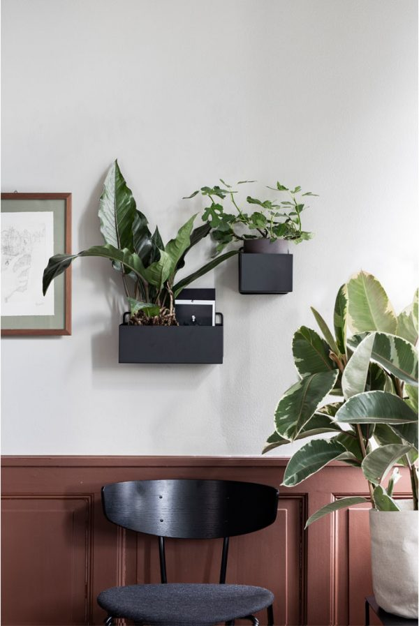 wall shelf-fermliving-black-metal-wall-box