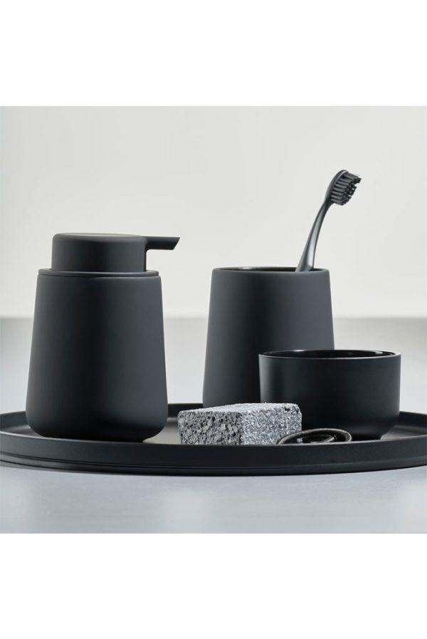 zone-denmark-zeepdispenser-zwart-sfeerfoto