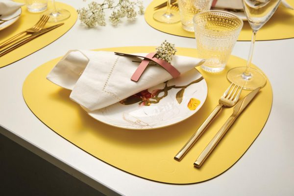 Lind DNA leather yellow placemat Curve