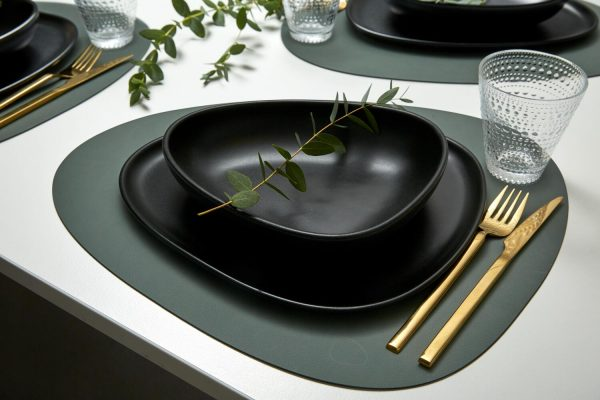 Lind DNA leather placemat Curve in green